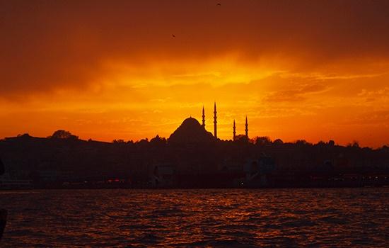 Апрель в Стамбуле полон музыки, танца, искусства и многого другого