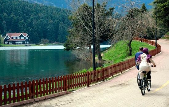 Природный парк озера Абант недалеко от турецкой провинции Болу - идеальное место для уединения
