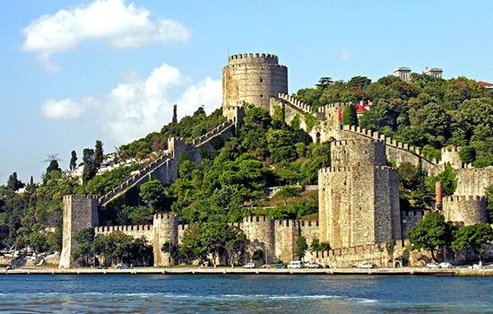 Грозные крепости: самые внушительные замки мира