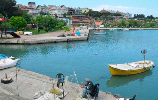 Город Турции Герза приветствует посетителей, ищущих убежище от хаоса повседневности