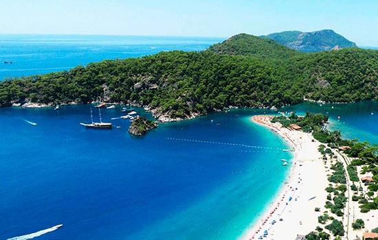 Где в Турции открыт пляжный сезон в октябре?