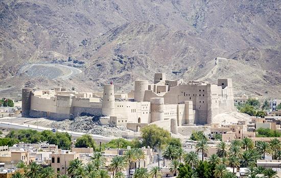 Оман привлекает туристов ежегодным прохладным летним муссоном