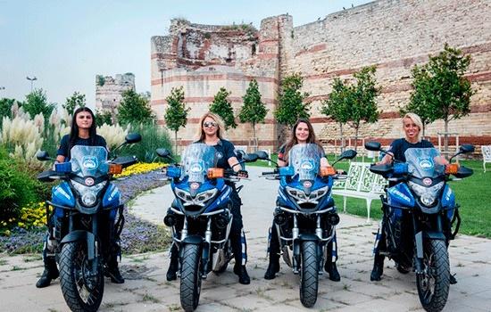 Стамбул привлекает не только кухней и историей, но и женщинами-полицейскими