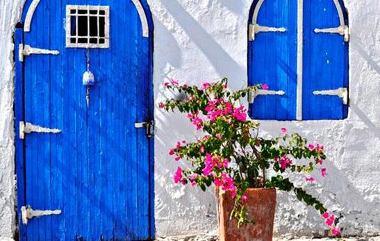 Разгадка того, почему в Бодруме дома окрашены в бело-синий цвет