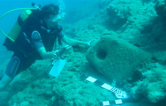 Любителям дайвинга будут интересны древние обломки, обнаруженные на южных берегах в Мерсине