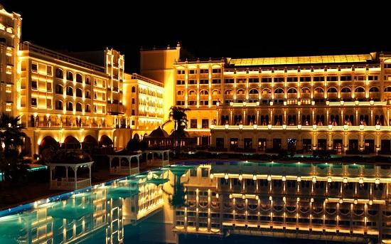 Это фиаско: Отелю Mardan Palace нечем платить за воду