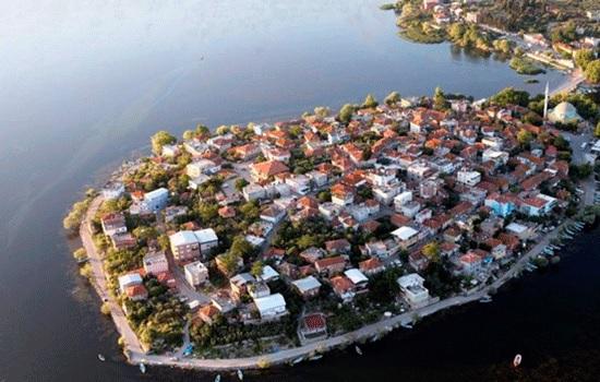 Исторический район Бурса привлекает туристов в течение всего года