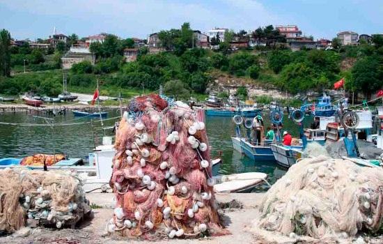 Туристы едут увидеть красоту рыбацкого города Кийкёй во Фракии