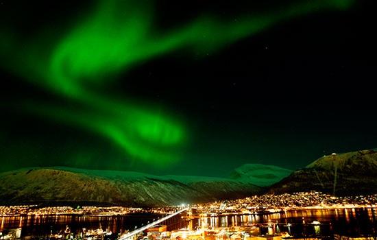 Путешественники стекаются в Северную Норвегию для того, чтобы увидеть Аврору