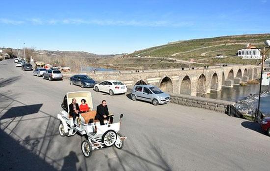 Электрическая конная прогулка привлекает интерес, который, как ожидается, будет способствовать туризму Турции
