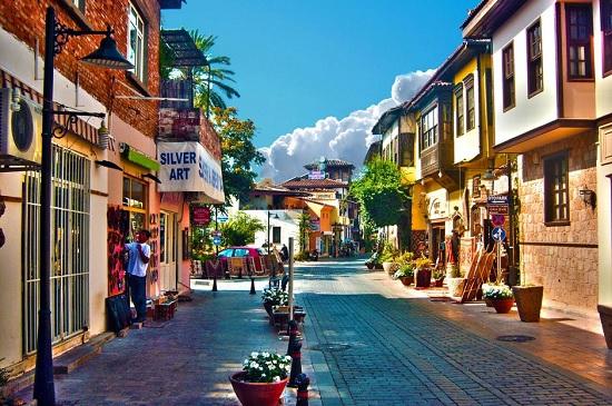 Турецкая Анталия попала в пятерку самых дешевых городов для туристов