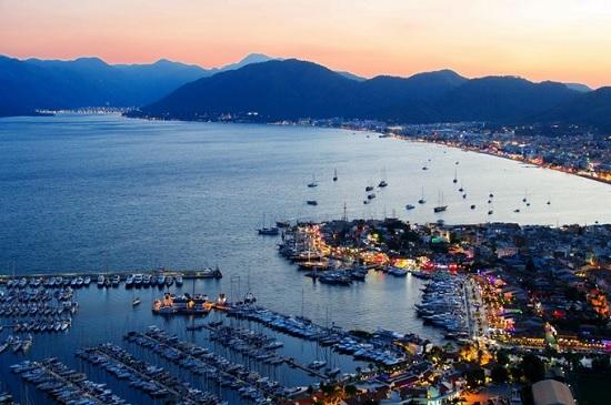 Турецкая Анталия лидирует в рейтинге самых дешевых туристических городов в мире