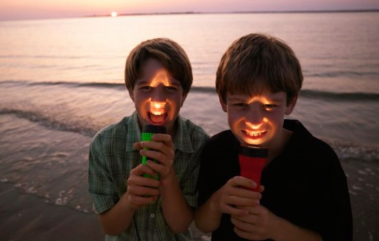 Как выбрать лучший фонарик для путешествия?