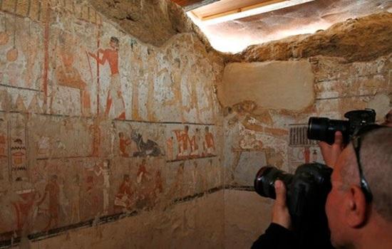 4400-летняя гробница открылась вблизи столицы Египта