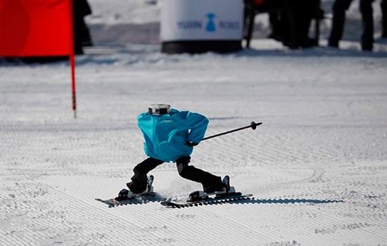 Южная Корея проводит первый в мире турнир по лыжным роботам вне Олимпийских игр