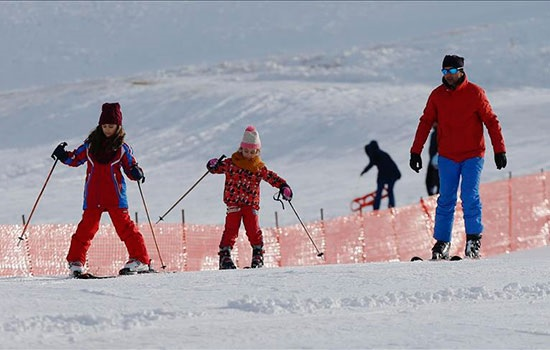 Снежный курорт Сакликенте в Анталии будет работать даже жаркой весной