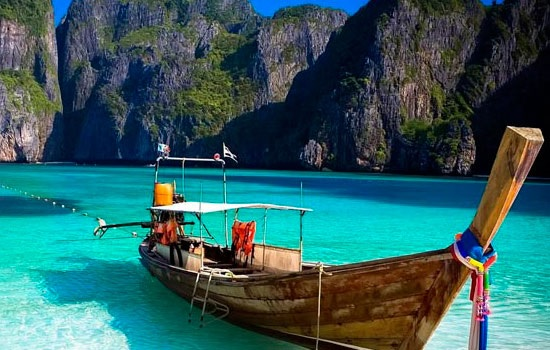 Знаменитые пляжи Таиланда закрыты для туристов в «низкий» сезон