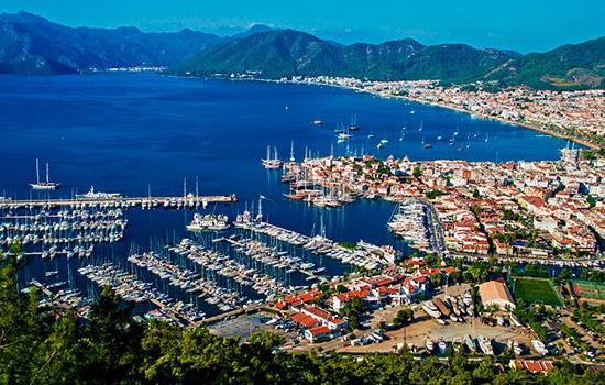 Мармарис — популярный порт для роскошного яхтинга