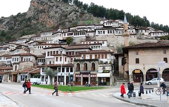Турецкое агентство восстанавливает исторические наследия Оттоманской эпохи в Албании