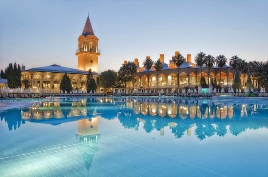Еще два крупнейших отеля Анталии перешли под управление Pegas Touristic