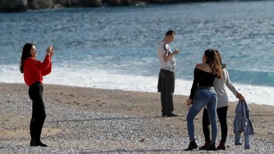 Прогулки, загар, купание в море – в Анталии солнечно и тепло