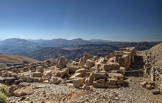 Четыре сезона сразу на вершине горы Немрут