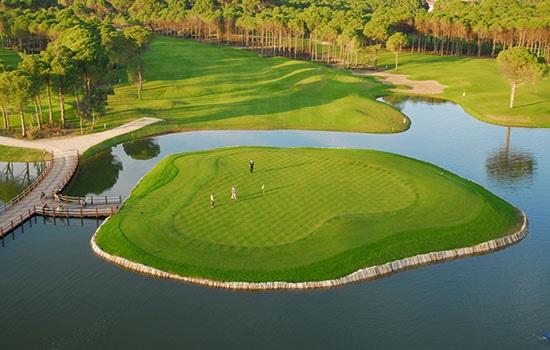 Турецкие поля для гольфа — место не только для богатых