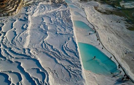 Откройте для себя древнюю историю Памуккале и целебные воды