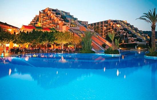 Турция осуществляет быстрое восстановление туризма, в стране побывало 40 миллионов путешественников