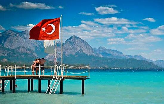 Покупка тура или самостоятельная поездка в Турцию: путеводитель для начинающих