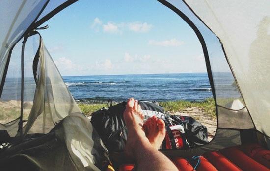 Отдых в кемпинге на озере — замечательные выходные для всей семьи