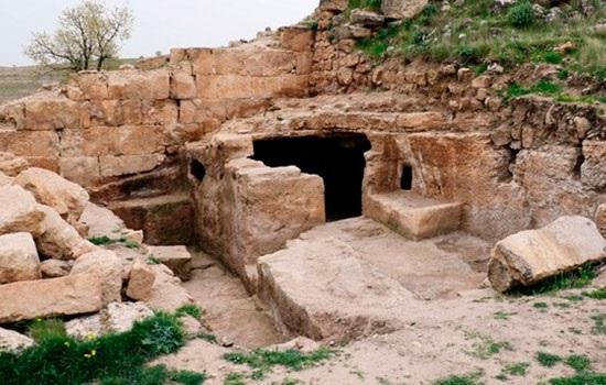 Два потайных коридора обнаружены в 1700-летнем храме древней религии в Диярбакыре
