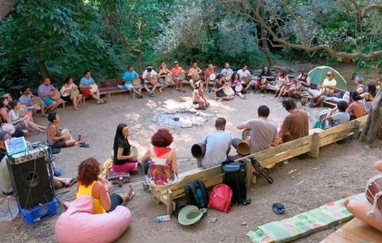 В прибрежных городах Турции открылись музыкальные лагеря для всех желающих