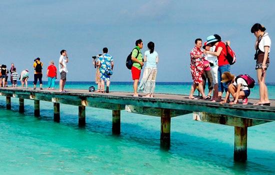 Несмотря на политические репрессии, туризм Мальдивских островов растет