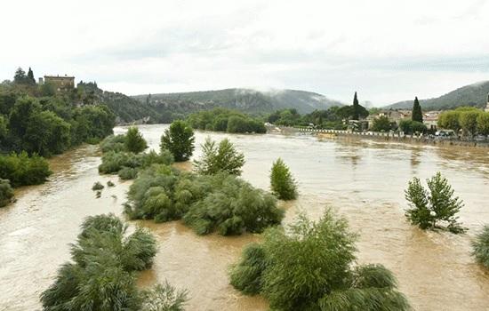 1600 человек, включая туристов, из кемпингов Гарда были эвакуированы в результате ливневых дождей на юге Франции