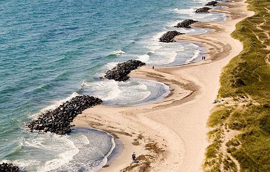 Вы можете побывать на границе столкновения двух морей в Гренене, Дания