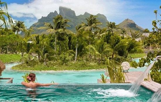 Курорт Four Seasons Бора-Бора назван лучшим на South Pacific Resort