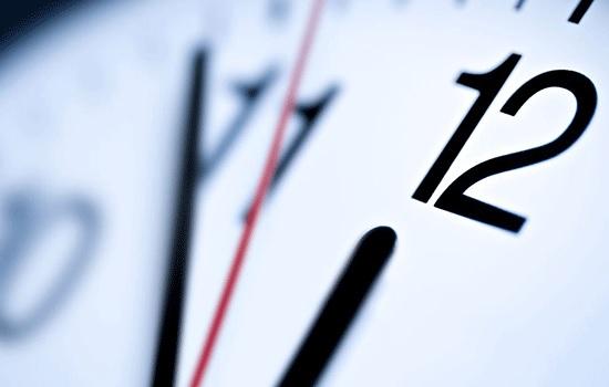ЕС отменит регулярный перевод часов на летнее и зимнее время
