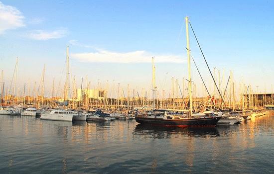 Барселонета — красивый приморский район Барселоны с необычной атмосферой