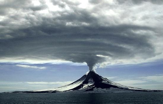 После того, как вулкан Гавайев успокоится, туристам настоятельно рекомендуется вернуться!