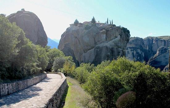 Греческие Метеоры — самые живописные скальные образования в мире