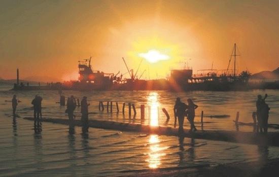 Прибрежный город Турции Акьяка — восторг для туристов, когда солнце садится