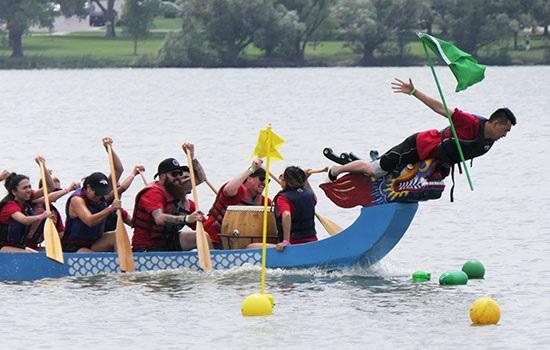 Камбоджа строит самую длинную лодку Дракона в мире, желая войти в Книгу рекордов Гиннеса