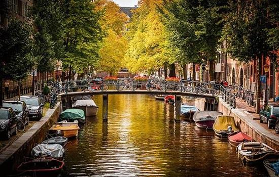 Амстердам — город свободных людей