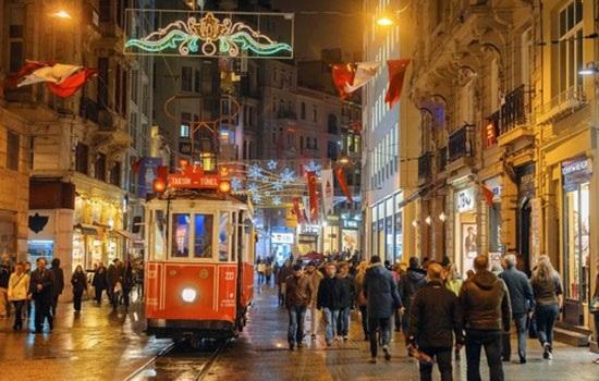 Начиная с этих выходных, в Стамбуле откроется множество праздничных базаров