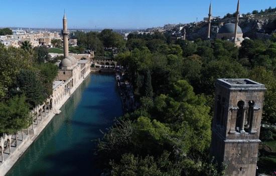 Город Шанлыурфа Турции: откройте для себя бассейн священной рыбы