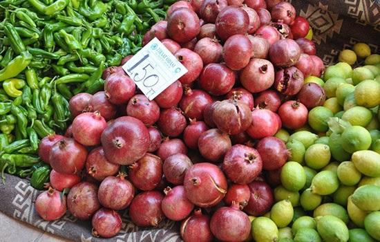 Что продают зимой на рынках Турции: сезонные фрукты и овощи
