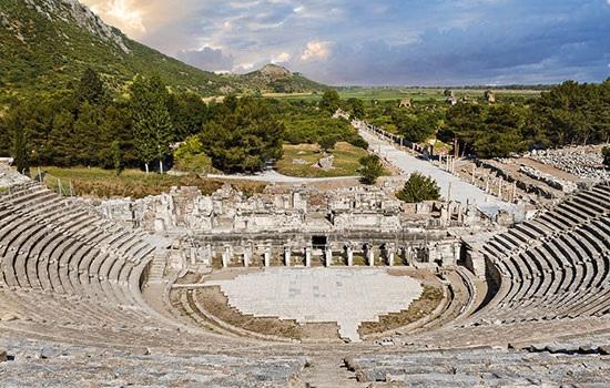 Измир — второй главный город после Афин на Эгейском побережье