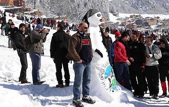 С 26 по 28 января плато Айдер провинции Ризе приглашает всех на 12-й фестиваль снеговиков