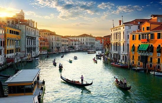 Венеция будет облагать туристов налогом за короткое пребывание